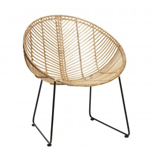 Lounge armchair in natural rattan with steel base
