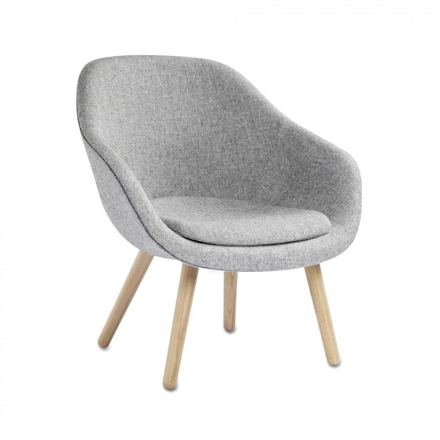 fauteuil aal82 bas en ch ne et tissu kvadrat hay. Black Bedroom Furniture Sets. Home Design Ideas