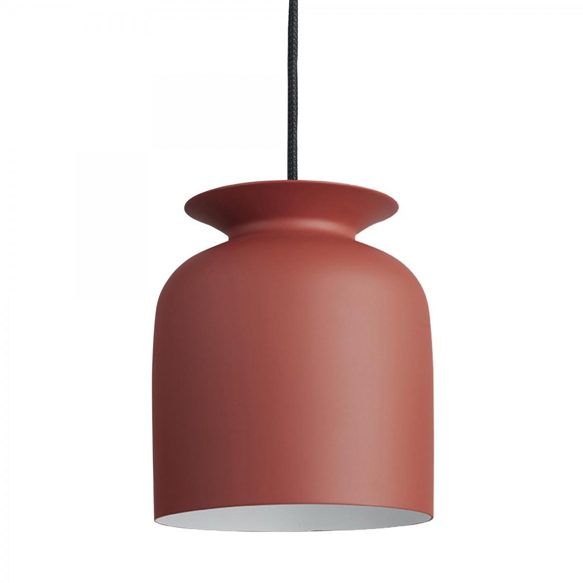 suspension ronde s rouge gubi. Black Bedroom Furniture Sets. Home Design Ideas