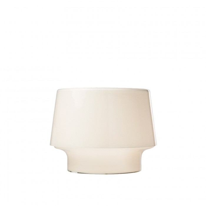 lampe cosy in white en verre souffl bouche muuto. Black Bedroom Furniture Sets. Home Design Ideas