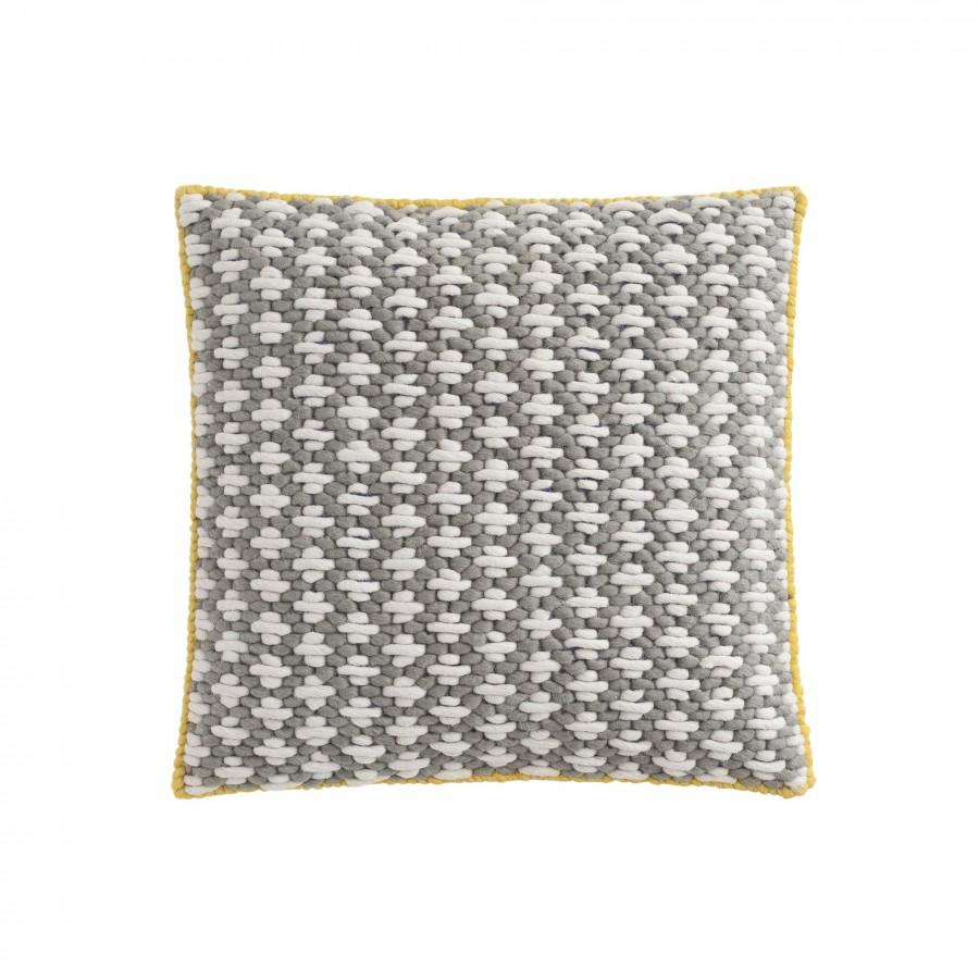 coussin sila en laine vierge de la marque gan design par charlotte lancelot. Black Bedroom Furniture Sets. Home Design Ideas