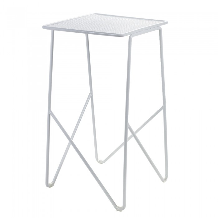 SIDE table M