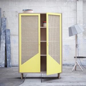 STRAW yellow closet