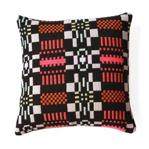 NOS DA cushion licorice