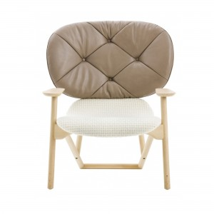KLARA armchair with button-tufted back