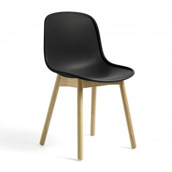 Chaise NEU 13 noir base chêne