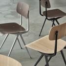 Chaise RESULT acier gris clair- bois teinté gris clair