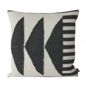 Kelim graphics 1 cushion