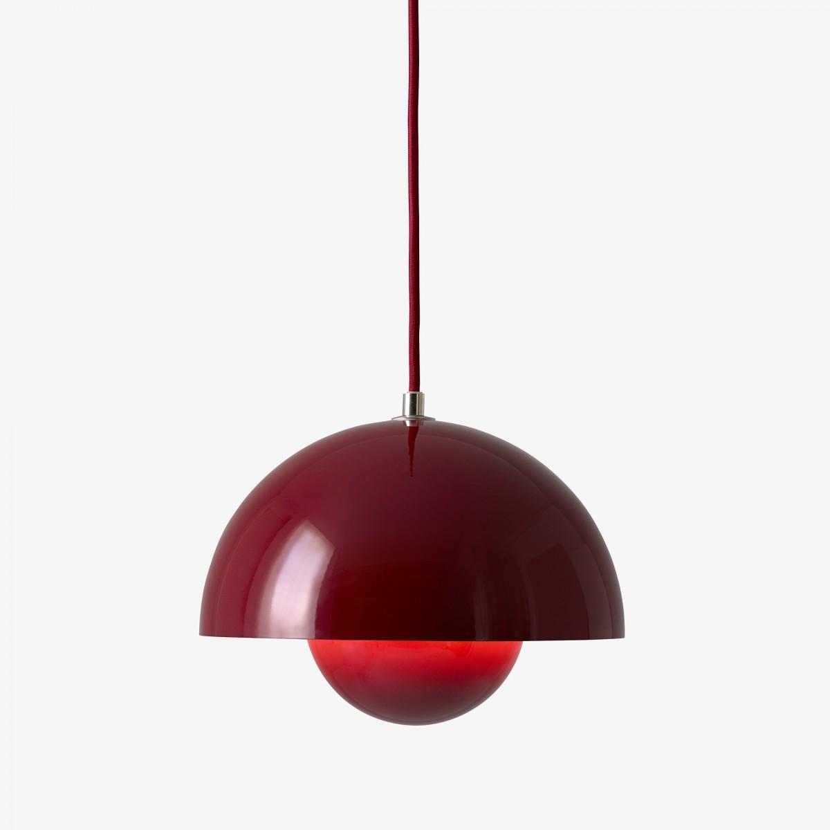lampe flowerpot rouge par tradition. Black Bedroom Furniture Sets. Home Design Ideas
