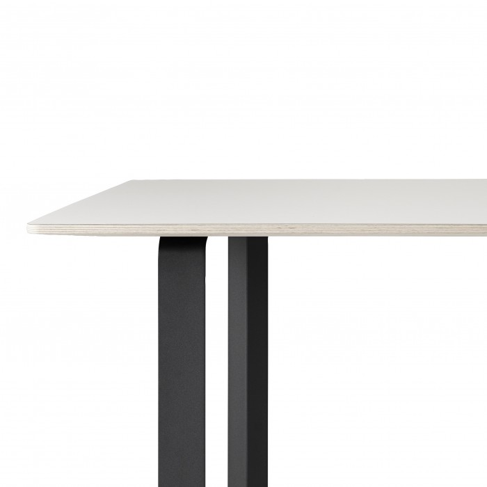 Table 70/70 Large