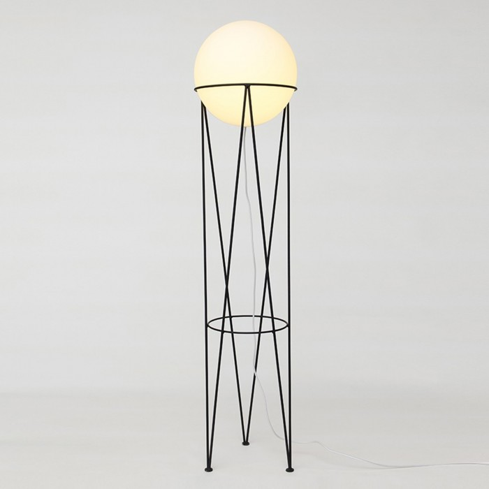 Lampadaire STRUCTURE AND GLOBE