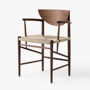 DRAW chair oiled walnut with armrests