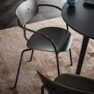 AV1 PAVILION Chair