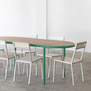Table oval WOODEN - Vert