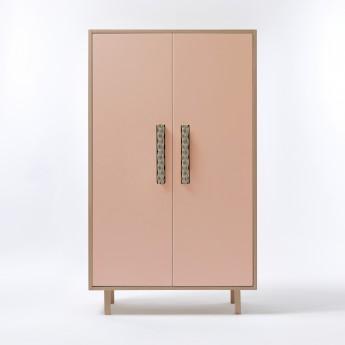 INVADER closet Gobelin pink