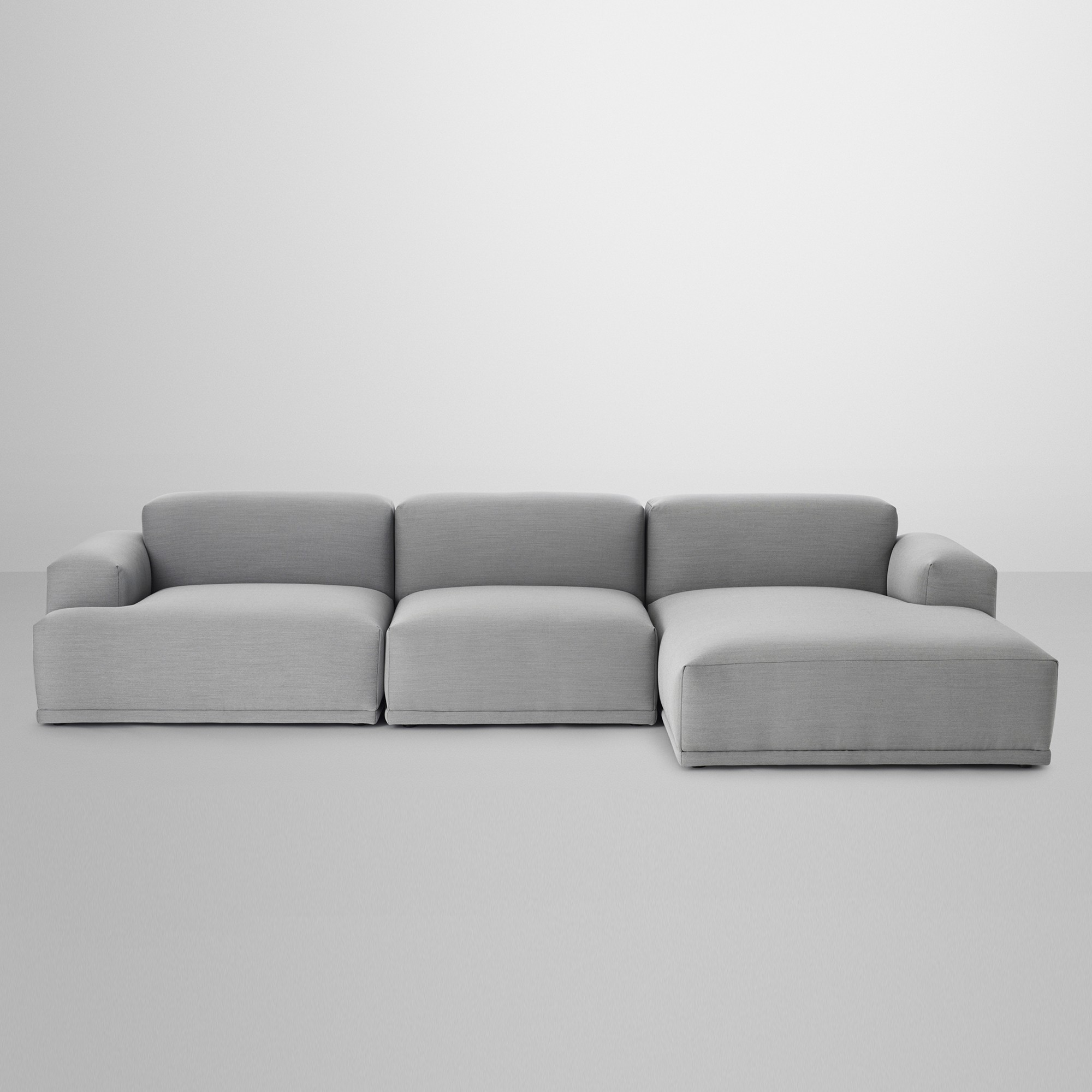 The modular 3 seaters lounge sofa CONNECT by the brand MUUTO was